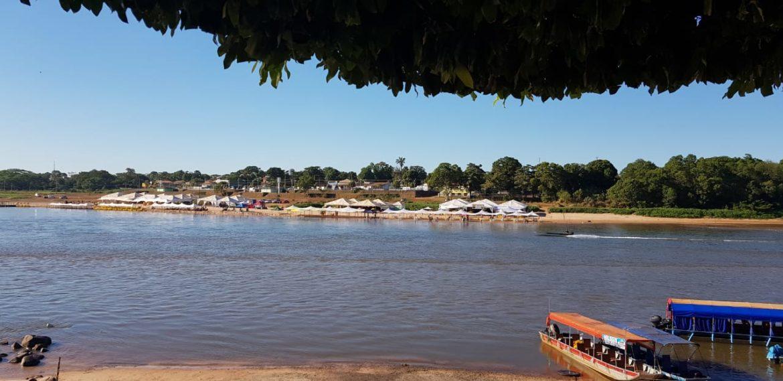 7bf9744f101a Depois das cheias dos períodos de chuva, entre novembro e março, os rios  Araguaia e Garças entram no seu período de seca, que dura do mês de julho  até ...